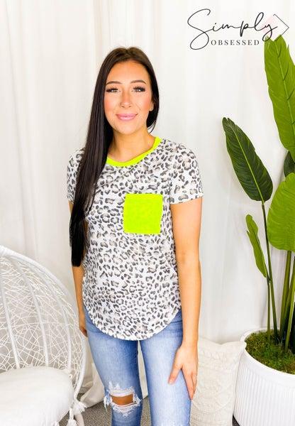 7th Ray - Short sleeve animal print pocket top