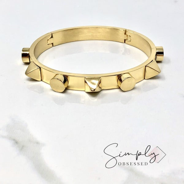 HippieChic - gold bracelet with pyramid spikes