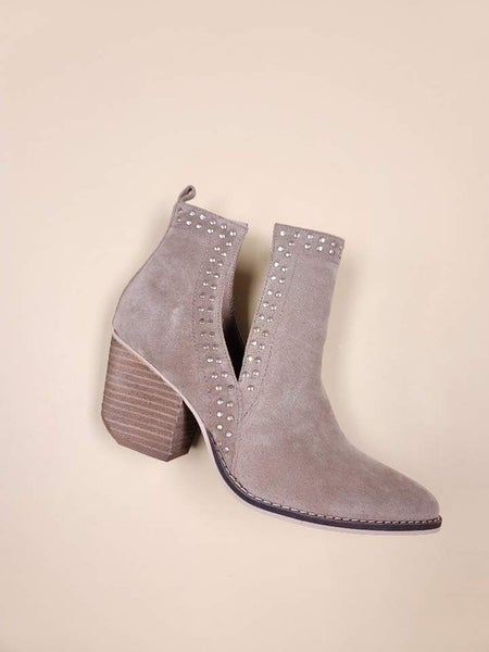 Lets See Style - Side Cut Boots With Studs