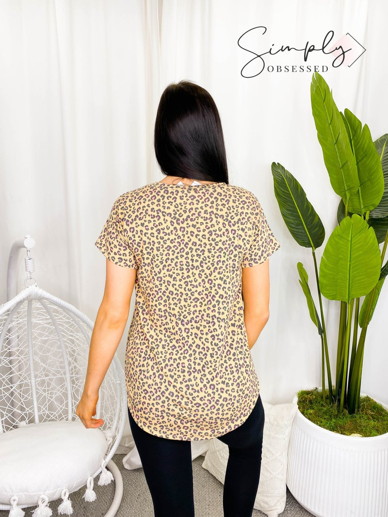 Flamingo - Short sleeve round neck animal print top(plus)
