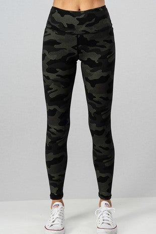 TREND:NOTES-CAMO METALLIC PRINT LEGGINGS