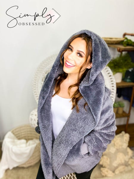 EE:SOME-OVERSIZED FAUX FUR HOODIE JACKET