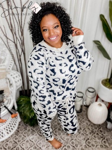 White Birch - Leopard jacquard crewneck pullover sweater(All Sizes)