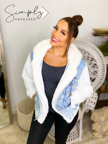 O & O - Denim jacket with faux fur sleeves and hood