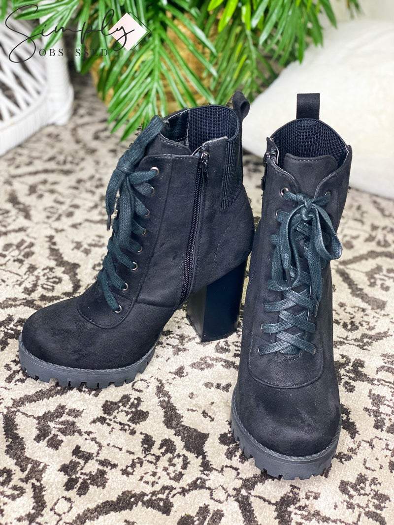Top Moda - Heeled lace up booties