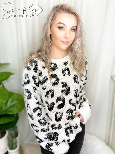 POL - Long sleeve leopard print fuzzy sweater