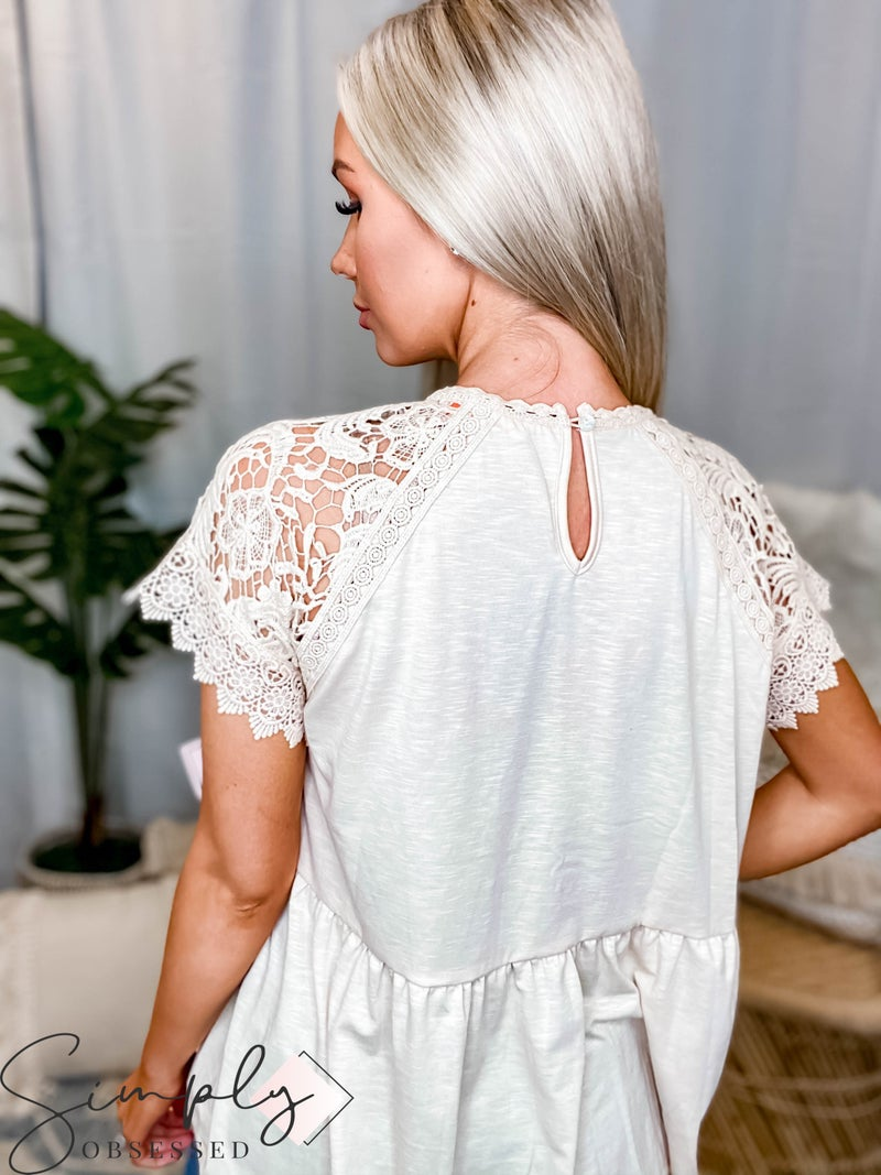 Hailey & Co - Babydoll silhouette top
