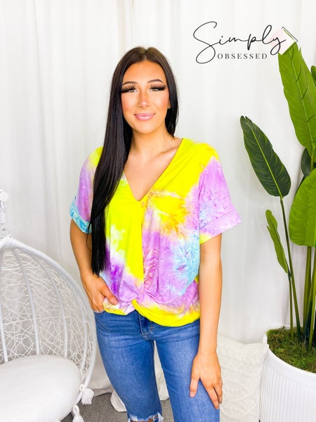 White Birch -  Short Sleeve Tie Dye Knit Top With a Gathered Twist Detail