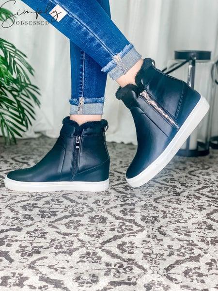 La Sheelah - Fur trim high top platform heeled sneakers