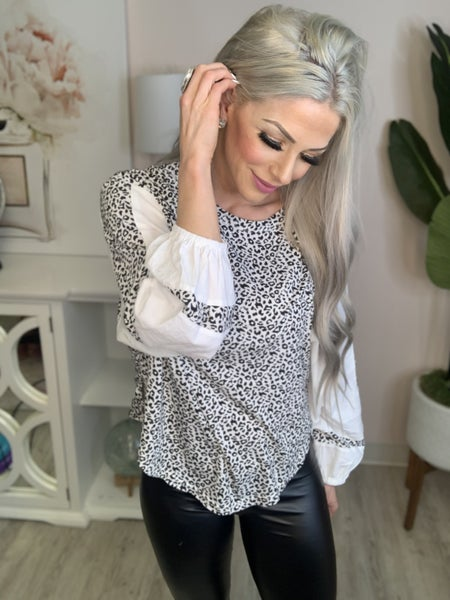 Andree By Unit - Balloon sleeve leopard print top