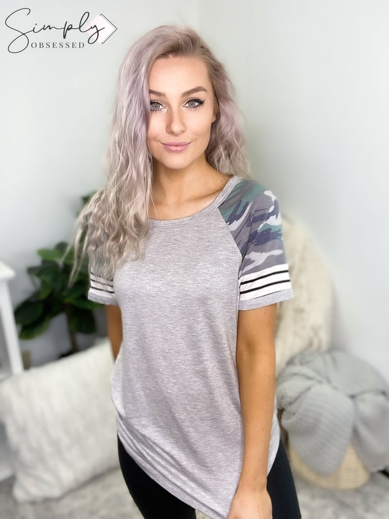 WANNA B-CAMOUFLAGE AND STRIPE CONTRAST TOP