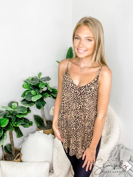 Spaghetti strap v neck leopard print top(plus)