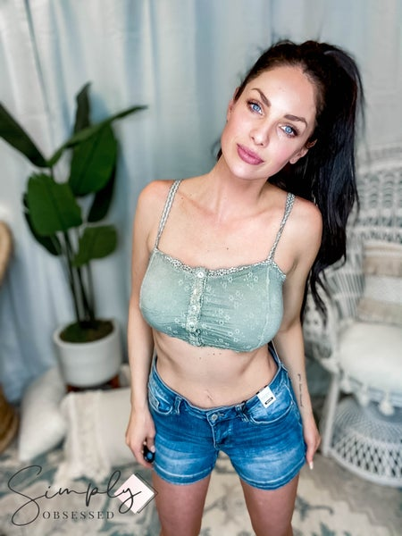 POL - Floral Lace Bralette with Front Button Closure