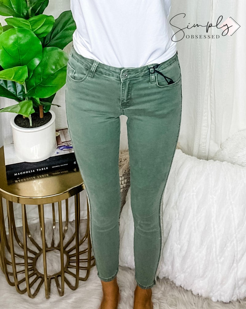 THREAD COLLECTIVE-Vienna Ankle Mid Rise Skinny Jean