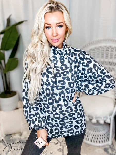 Oddi - Leopard print balloon sleeve knit top with turtleneck and key hole back detail(All Sizes)