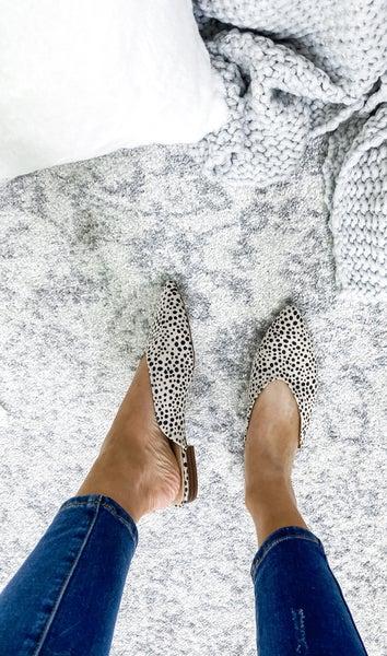 HATA- Women Slip on Flat Slide Mules