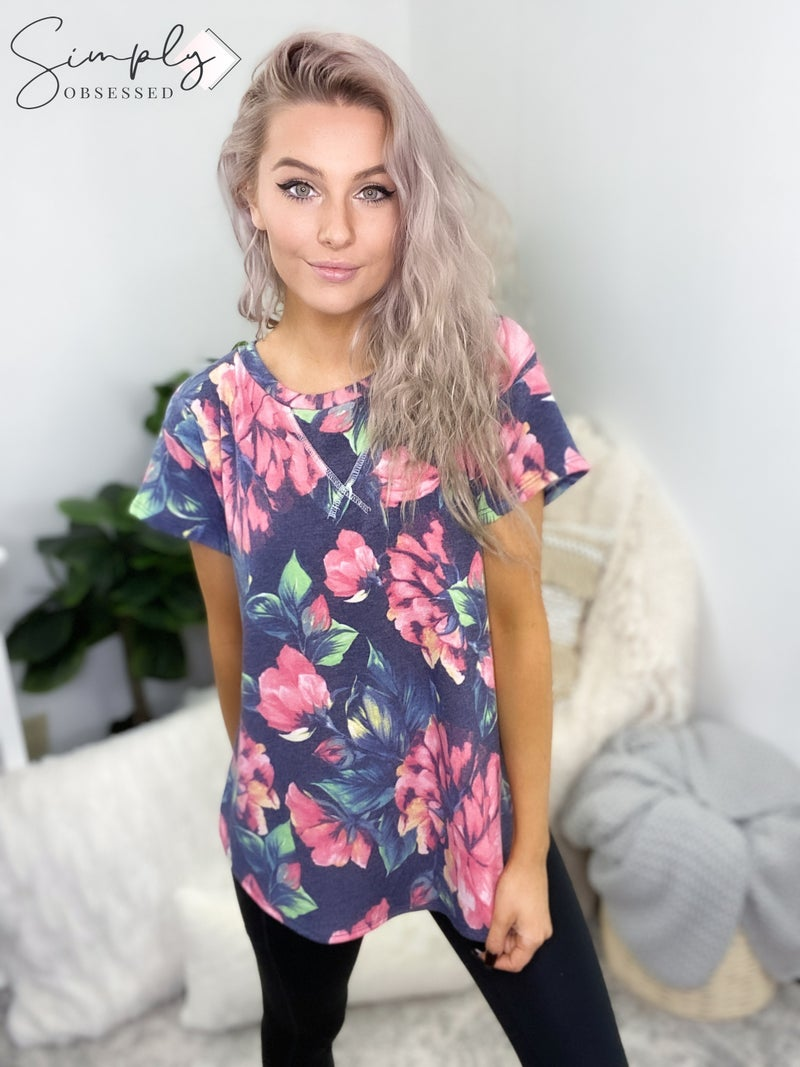 Flamingo - Short sleeve round neck floral print top(plus)