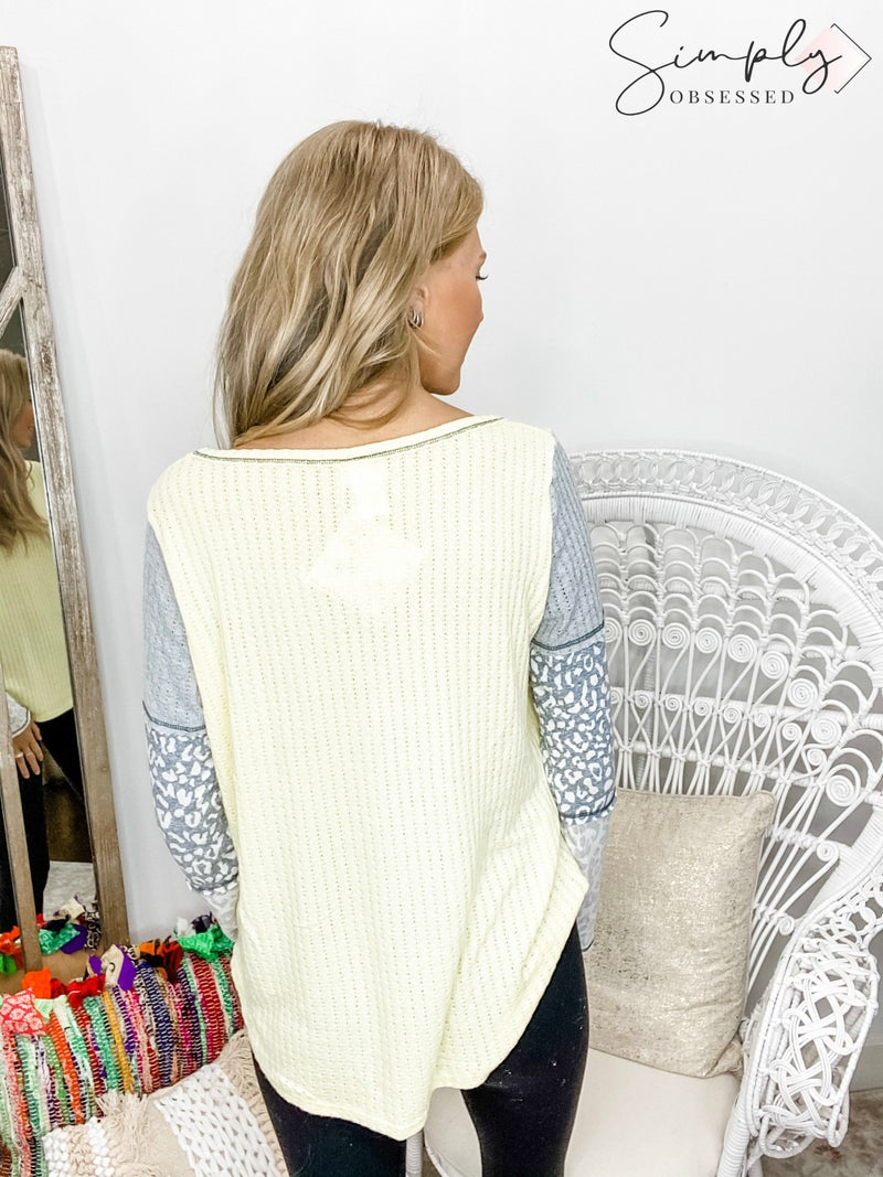 BiBi - Knit top with block sleeves