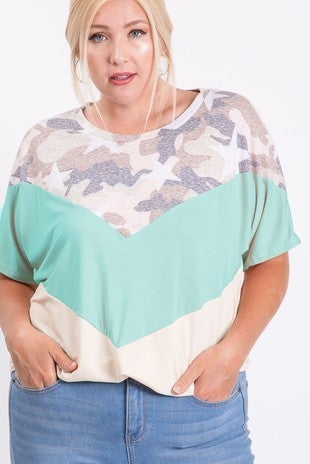 7th Ray - Short sleeve camo and stars color block top