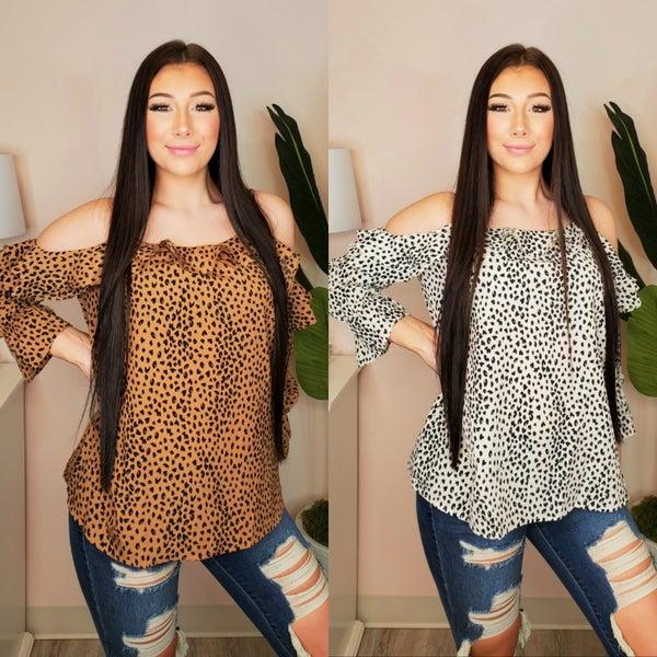 Doe & Rae - Cold shoulder leopard ruffle top