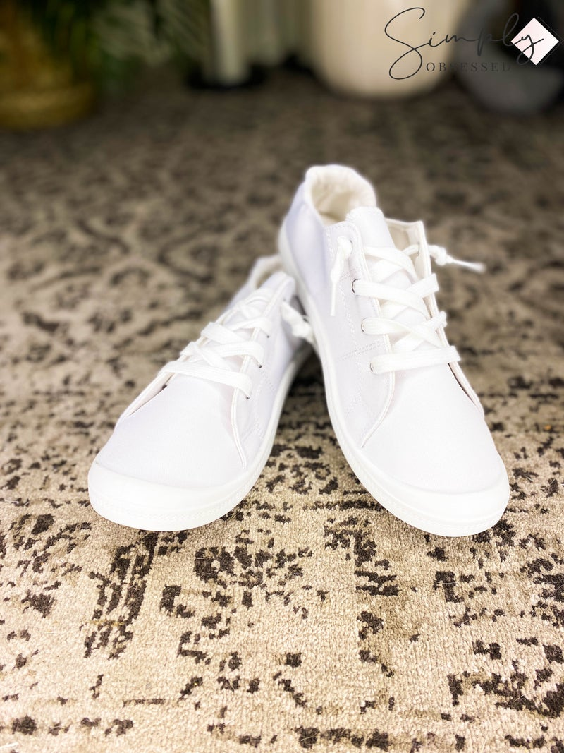 Mata Shoes - Low top lace up casual sneakers