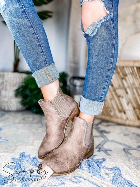 Very G - Block Heel Ankle Boot