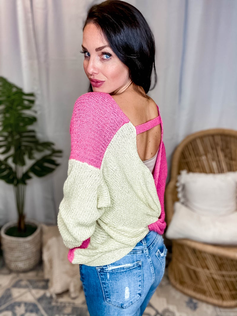 Davi & Dani - Sweater with Round Neck and Open Back