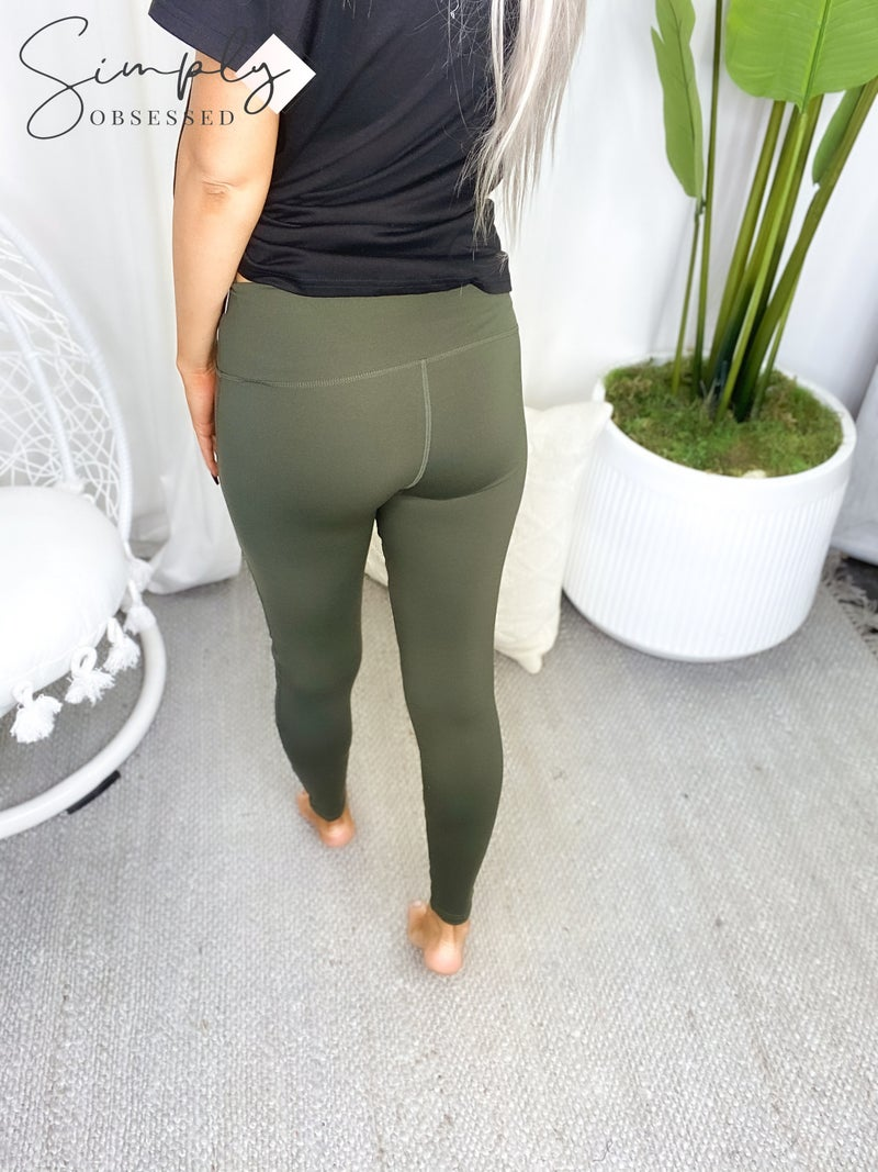 The Free Yoga - Activewear leggings with mesh features