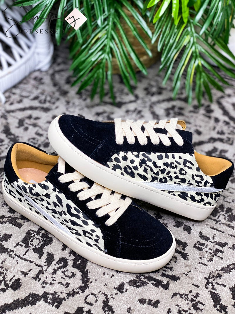 White Raven - Low top leopard print contrast sneakers