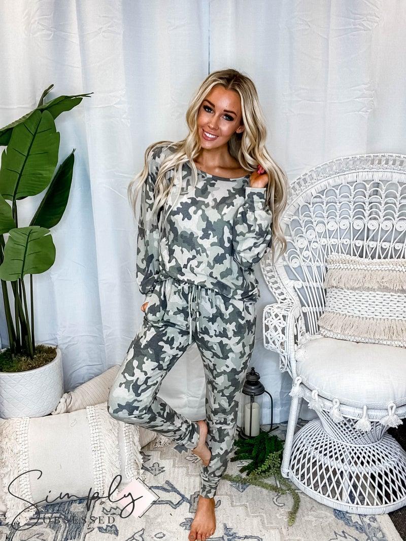 VANILLA BAY-A long sleeve camo print knit top & jogger pants set