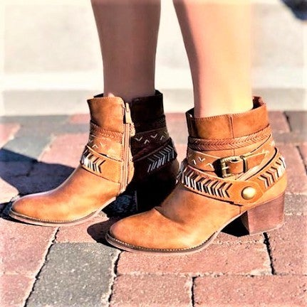 A RIDER GIRL-COW GIRL ANKLE HIGH BOOTS