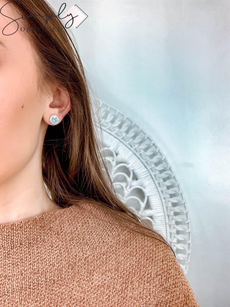 NYJ - Gold Round Blue Halo Stud Earrings