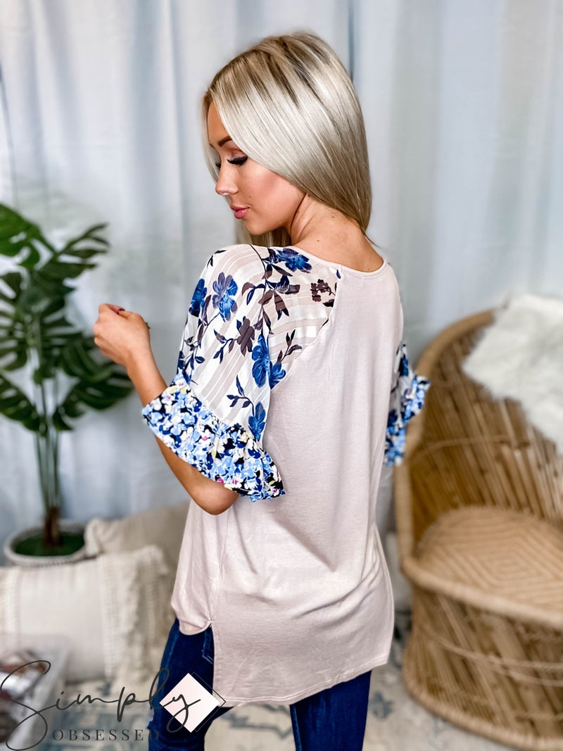 Hailey & Co - Solid knit floral print top