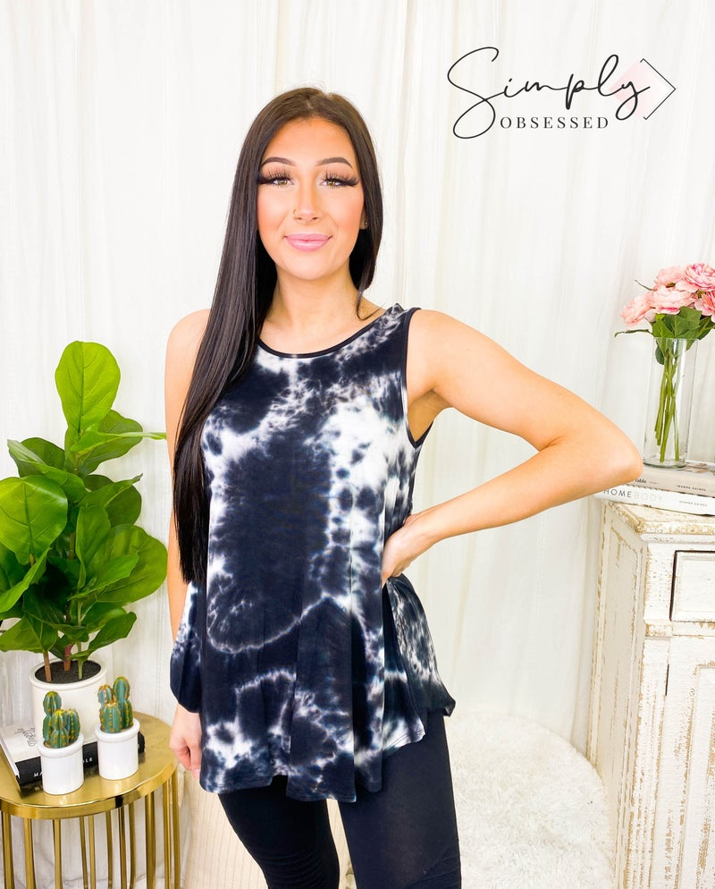 Heimish - Sleeveless loose fit tie dye top
