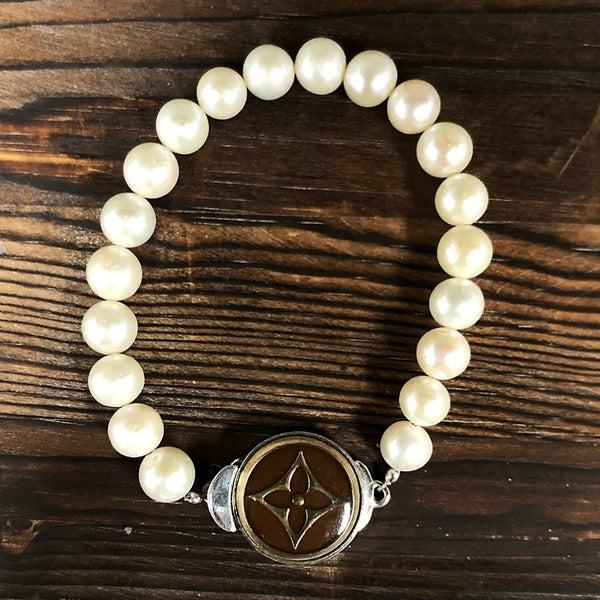 BJB - Button Single Strand Bracelet