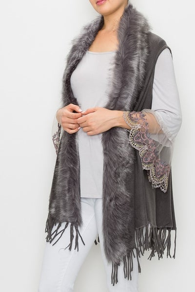 Origami - Vest with faux fur trim and fringe