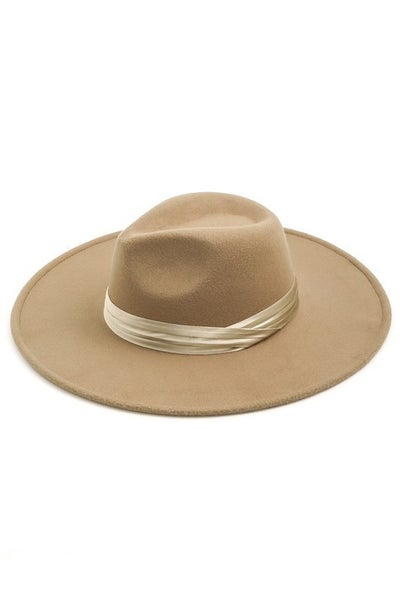 Fame Accessories - Flat brim hat with satin ribbon detail