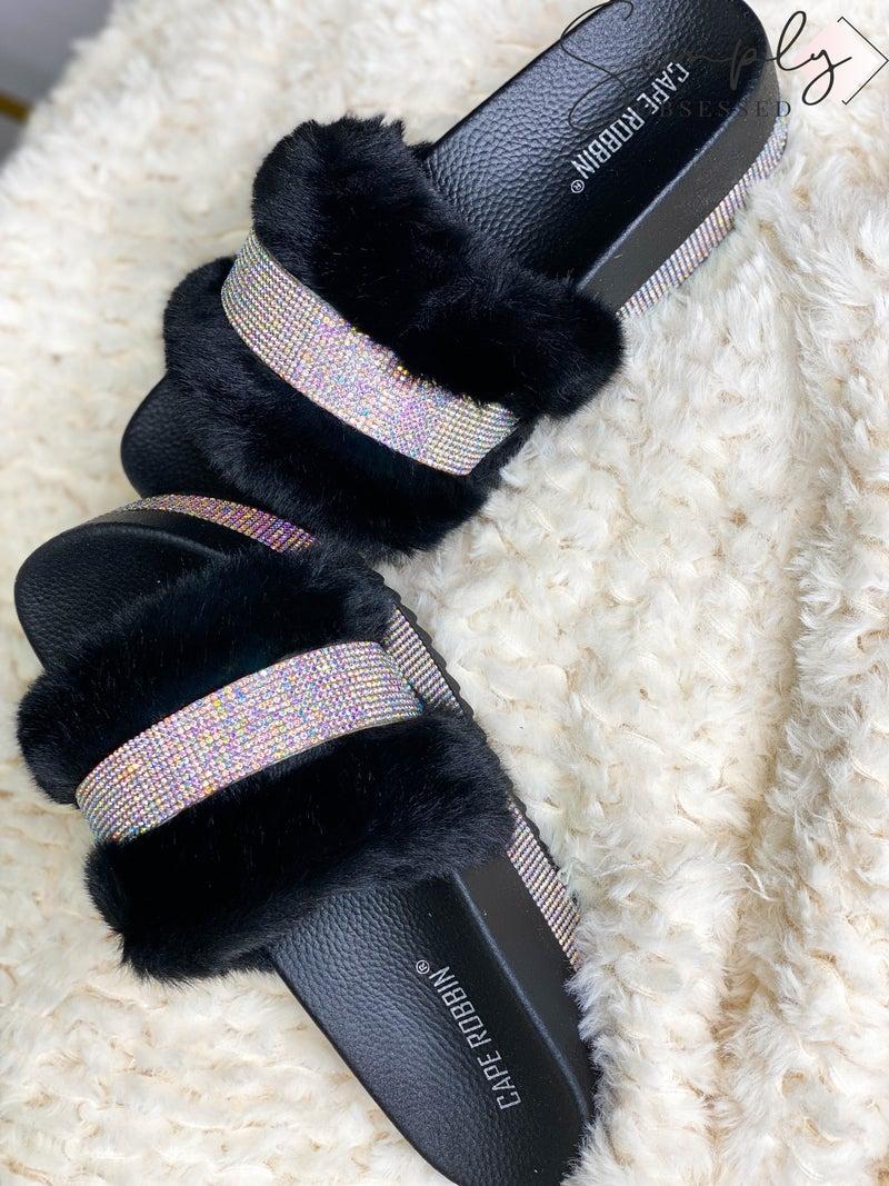 Cape Robbin - Fuzzy slide sandals with sparkle details