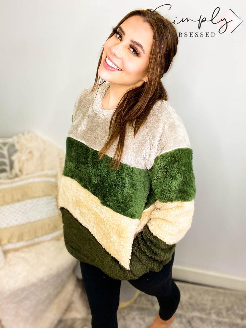 Faux fur colorblock pullover sweater(plus)