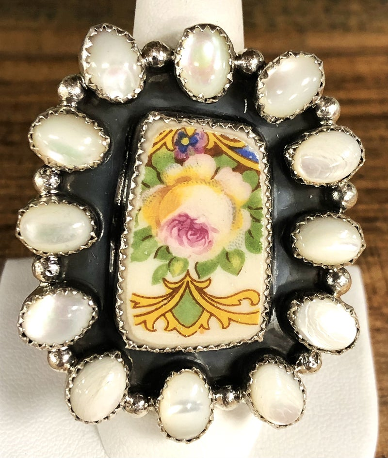 M&S - Porcelain China + Mother of Pearl Ring