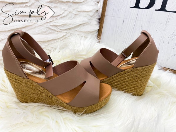 REFRESH-WOMENS CUT OUT ESPADRILLE WEDGE SANDALS