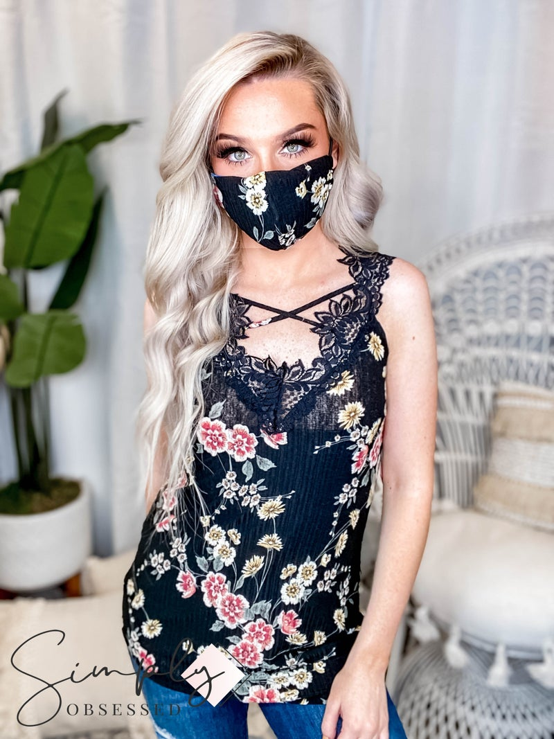 Blumin - Sleeveless scallop lace top with mask set