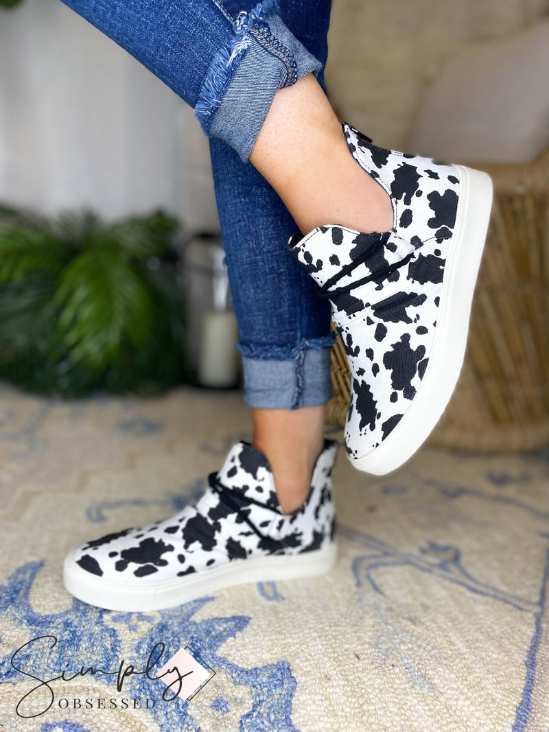 Very G -  Mid Top Canvas Sneaker