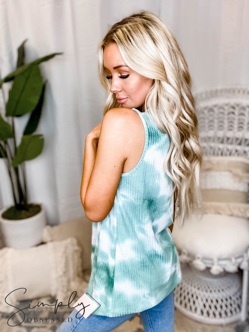 Blumin - Round neck sleeveless lace detailed top(All Sizes)