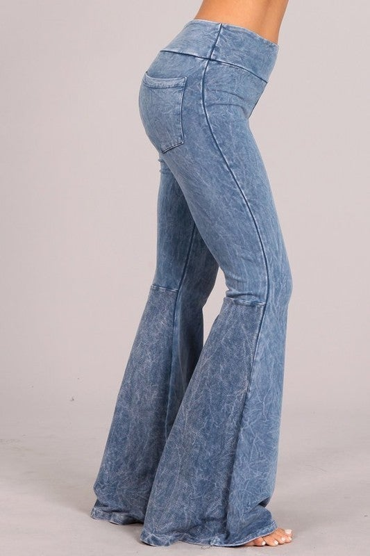 Chatoyant - Flared bell pants w/ back pockets