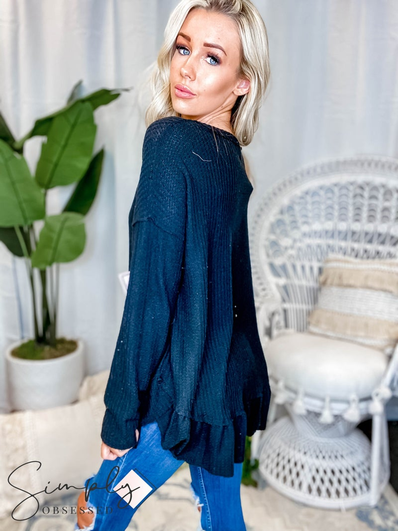 Easel - Long Sleeve Brushed Thermal Ruffle Bottom Top