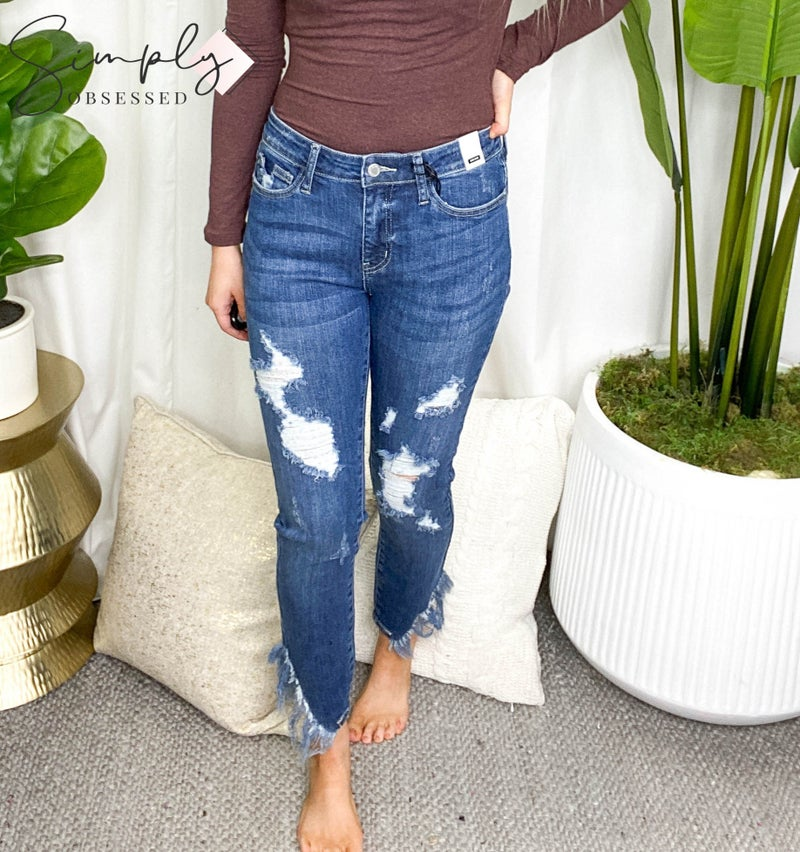 Judy Blue - Mid rise distressed detail jeans (all sizes)