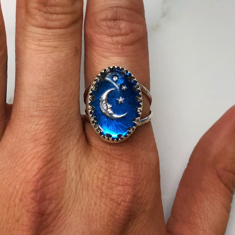M&S Sterling Silver - European English Glass Oval Moon Ring