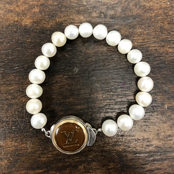 BJB - LV Button Single Strand Bracelet