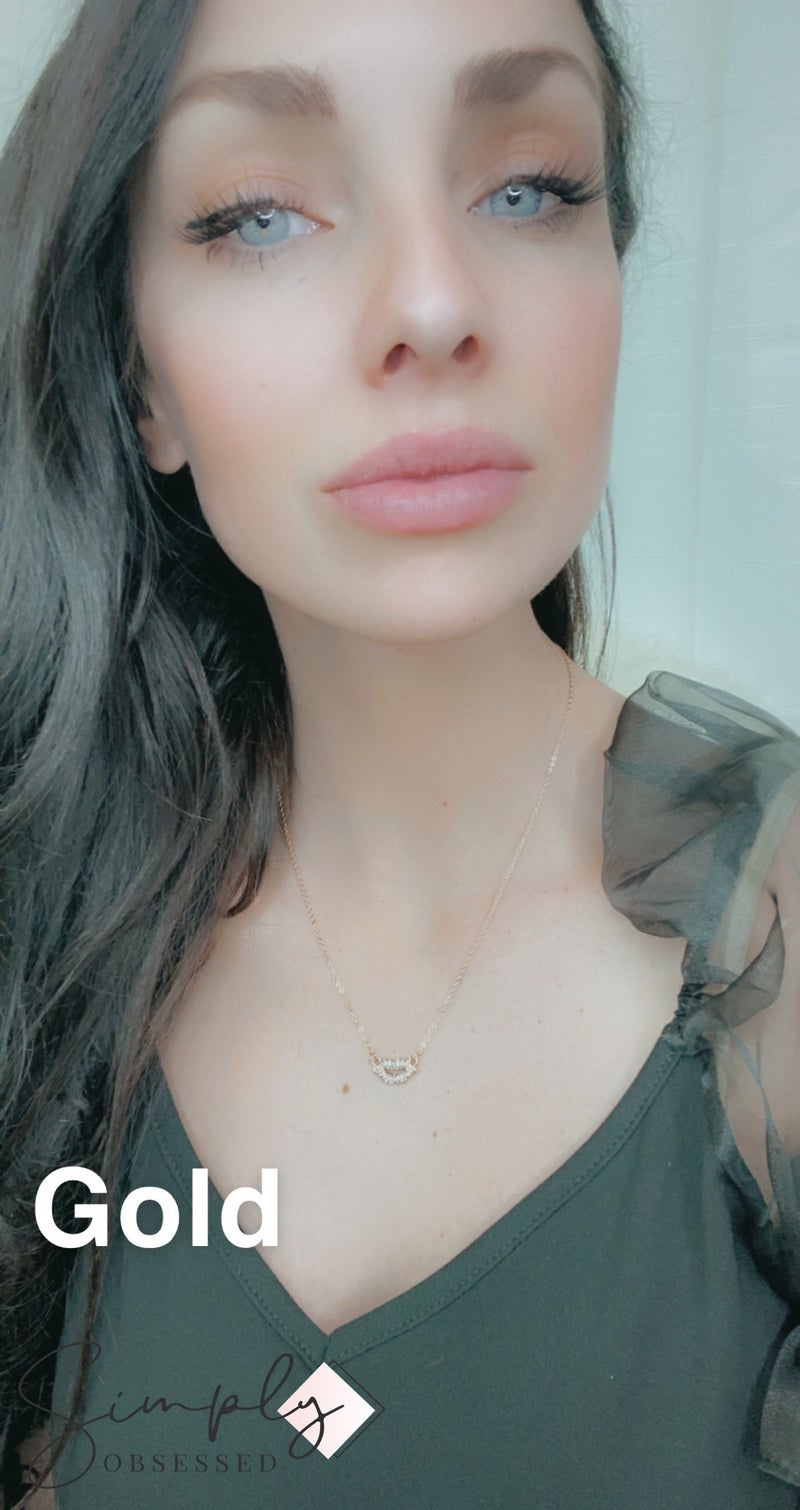 Urbanista - Lip shaped Pendant Necklace